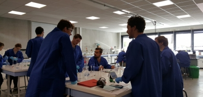 Les TP  dans le laboratoire commun aux 3 ESITC!